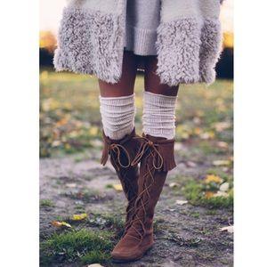 Minnetonka Front Lace Boots EUC